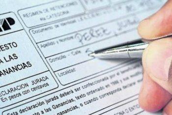 Medio millón de jubilados y empleados provinciales se beneficiarán con la modificación de Ganancias