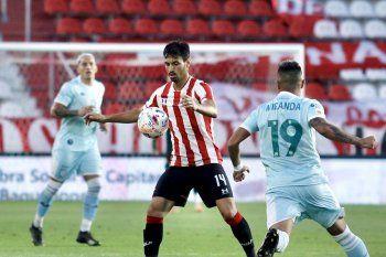 Juan Sánchez Miño fue titular en Estudiantes en el duelo ante Racing