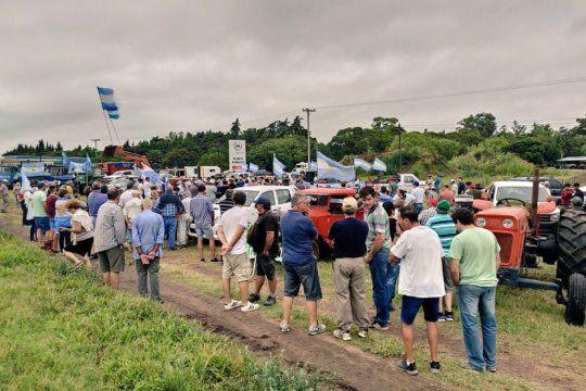productores bonaerenses preparan una asamblea a la vera de la ruta en paralelo al discurso presidencial en el congreso