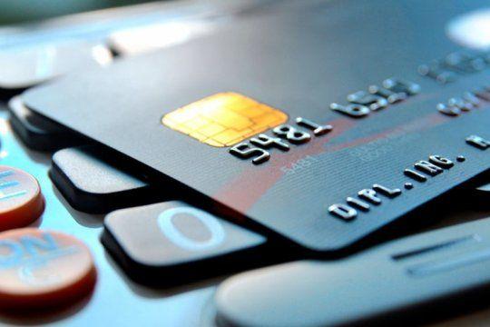 cuidado del bolsillo: el oficialismo presento un proyecto para limitar los intereses que cobran las tarjetas de credito