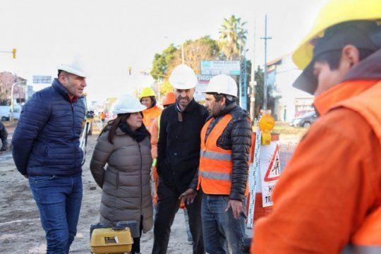dietrich recorrio las obras del metrobus en quilmes junto al jefe comunal