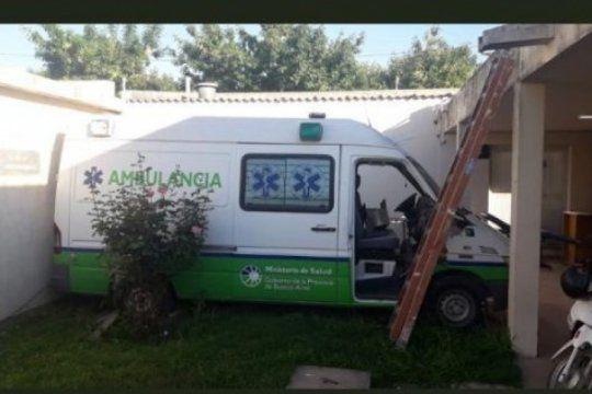 saladillo: aseguran que construyeron una pared y dejaron atrapada a una ambulancia en el hospital