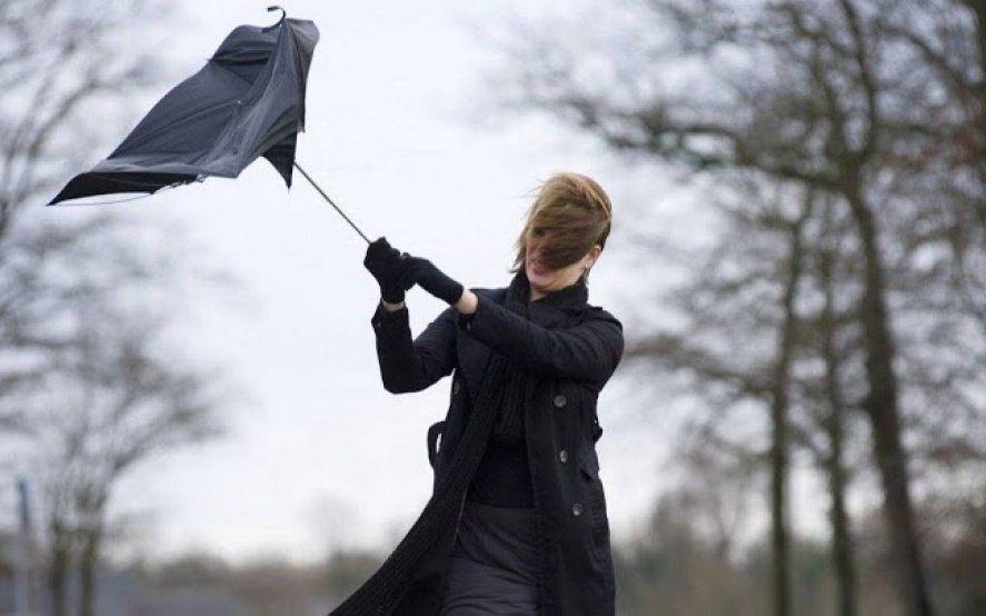 Alerta meteorológico por vientos intensos en el noroeste, centro y el sur de la Provincia
