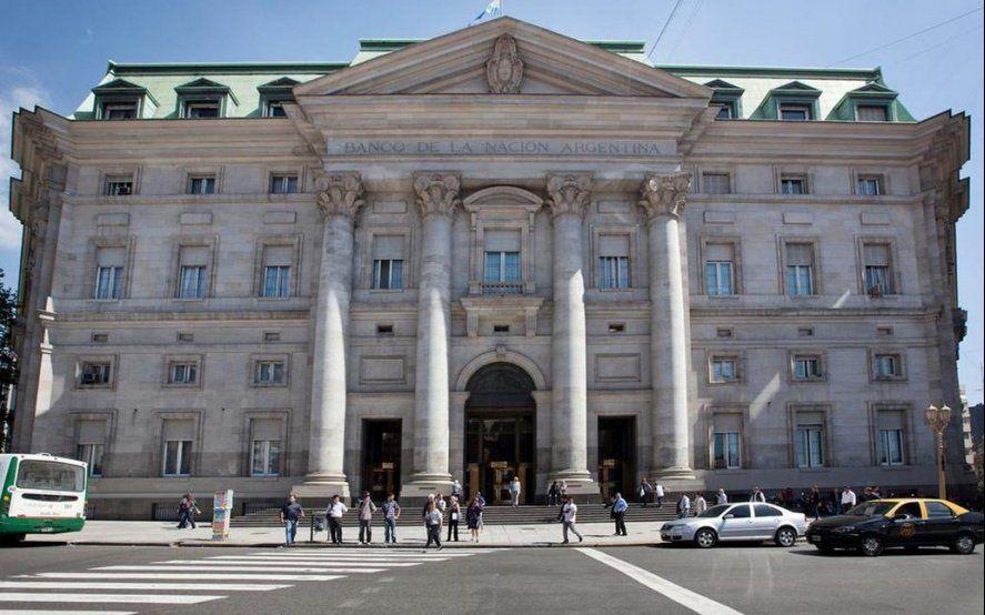 La ANSES como rueda de auxilio: Ahora depositó $5000 millones en un Banco Nación con crisis de liquidez