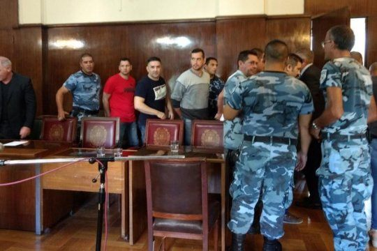 causa de los sobres: la fiscalia pidio entre 8 y 9 anos de prision para los ex jefes policiales