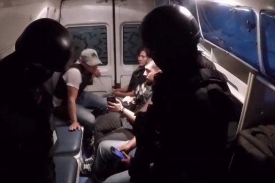 polidoctores ingresaron a un asentamiento para desbaratar una banda narco
