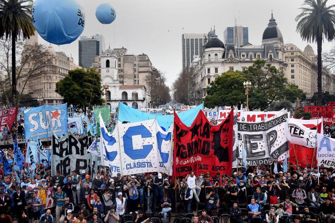 La CGT y los movimientos sociales y políticos bancarán la gestión del presidente Alberto Fernández en el marco de la prosecución de festejos del Día de la Lealtad