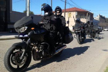 moreno: un inspector municipal le robo la moto a un policia