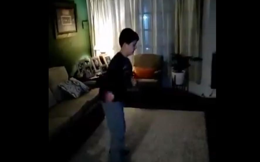"""""""Me ayuda a tener mucha energía"""": el baile viral de Tomás para concientizar sobre el autismo"""