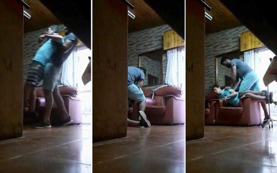 Filman a un acompañante terapéutico maltratando un joven con discapacidad: los vecinos marcharon en repudio