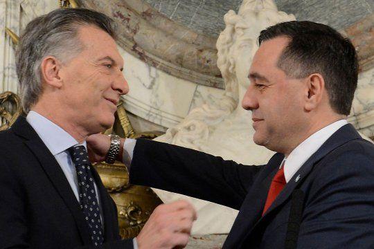 Sobreprecios y promesas incumplidas: qué investiga la justicia contra Macri y Finocchiaro