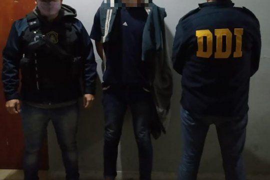 El joven detenido tiene 27 años. Lo acusan por un crimen ocurrido en 2011