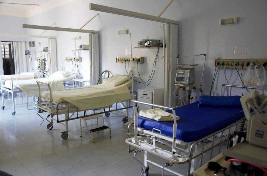 """""""La perspectiva es buena, ya que al estar las salas con menos pacientes críticos, hay una baja sensible en la tasa de fallecidos"""", dijo el ministro de Salud de la Provincia."""