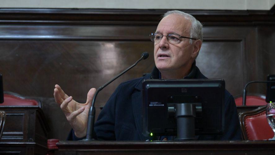 Daniel Gollán presentó el informe sobre la situación epidemiológica y brindó las precisiones científicas.