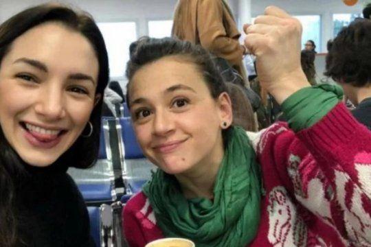 pedido de captura a darthes: hablo laura azcurra tras la conferencia de prensa de actrices argentinas