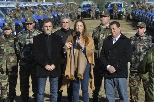 vidal y ritondo entregaron nuevos patrulleros para reforzar la seguridad en las zonas rurales