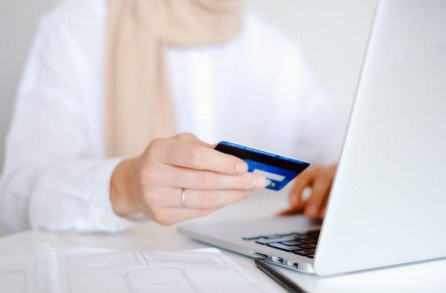 Recordá consultar los precios de los artículos a comprar en diversas páginas web, así se tiene un precio de referencia.