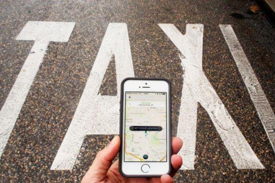 mas de 100 taxistas de la plata ya usan su propia app para competir contra uber