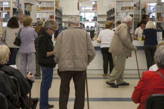 se agrava la situacion de pami: jubilados podrian quedar sin medicamentos a partir de abril