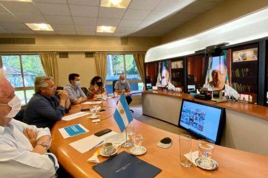 Reunión entre el Presidente y Gobernadores para detallar la campaña de Vacunación