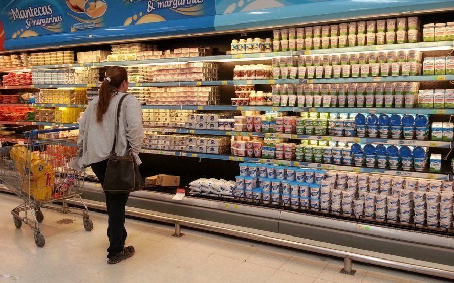 Inflación en productos esenciales: el precio de los lácteos aumentó un 80 por ciento en el último año