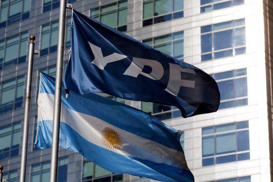 YPF avanzó con modificaciones en su oferta de canje de la deuda internacional que mantiene.