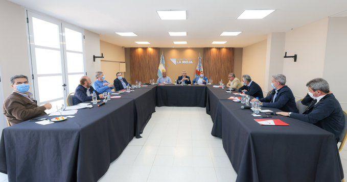Alberto Fernández habló en La Rioja con los gobernadores para revertir resultado electoral