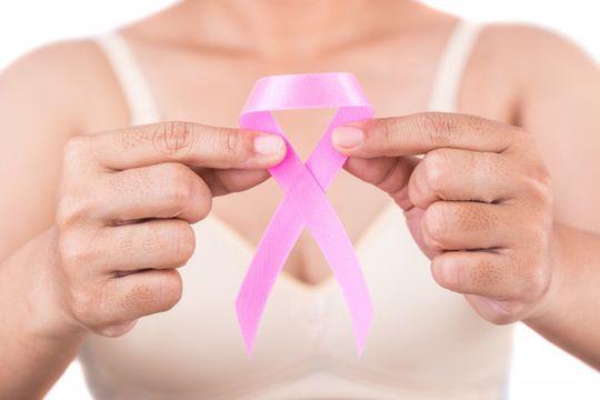 marcas de lenceria intervienen sus corpinos para concientizar sobre el cancer de mama