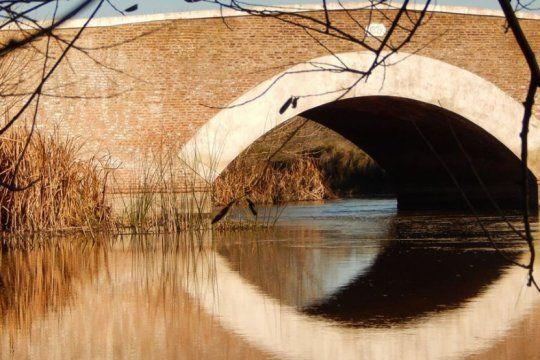 la historia del viejo puente de rauch y del primer peaje que se cobro en la provincia