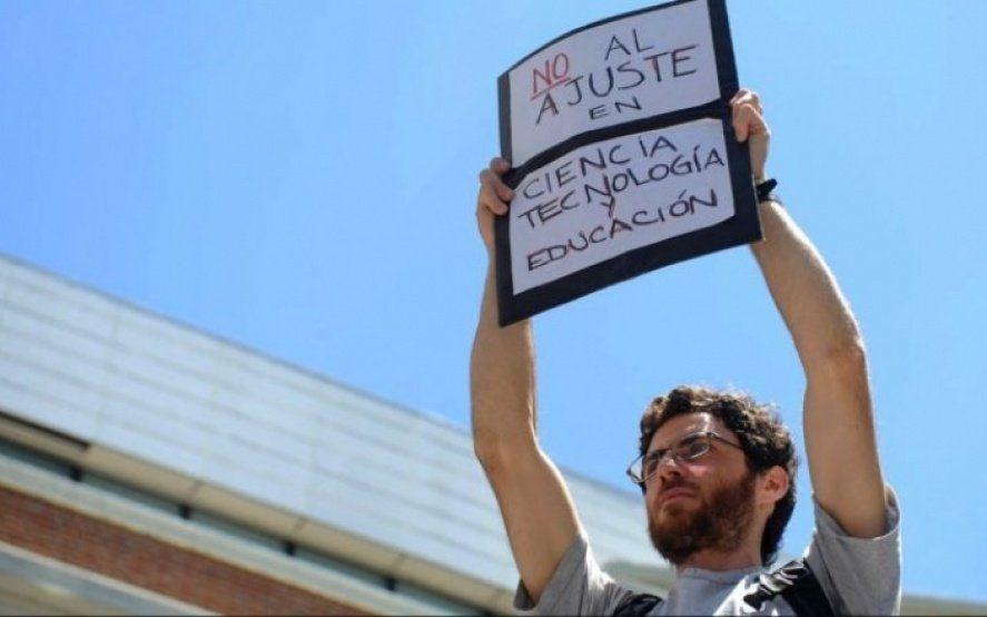 El CONICET desmiente las de afirmaciones de Macri en el debate y exige un aumento salarial de emergencia
