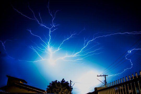alerta meteorologico por tormentas fuertes con posible caida de granizo en el sudeste bonaerense