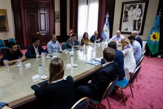 kicillof convoco a legisladores del oficialismo y de la oposicion para repasar medidas