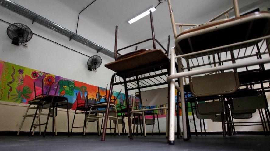 Piden suspender clases presenciales en diez distritos