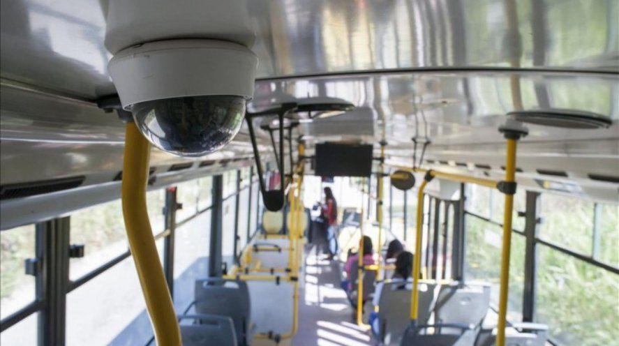 Los colectivos del área metropolitana y el interior bonaerense deberán contar con cámaras de seguridad