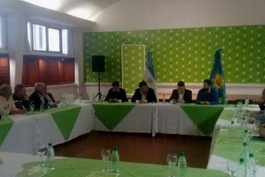 ante la crisis, los intendentes peronistas del interior pidieron que vidal amplie el fondo social