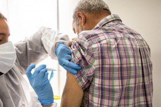 Se aplicarían unas 300 mil vacunas antes de fin de año en Argentina