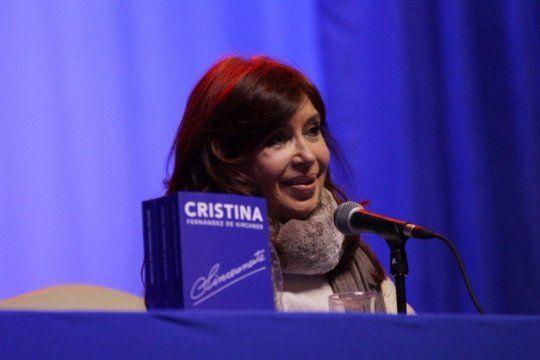 cfk elogio el documental sobre nisman y cargo contra comodoro py por la investigacion del caso