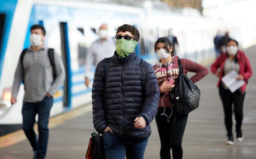 Advierten que jóvenes asintómáticos están propagando el virus