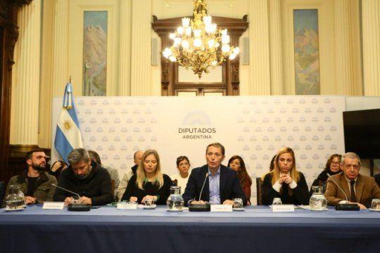 elecciones limpias: en conferencia de prensa, el pj bonaerense exigio garantias de transparencia