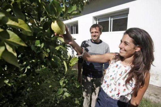 necochea ciudad frutal: conoce el proyecto solidario y ecologico que impulsa un grupo de vecinos