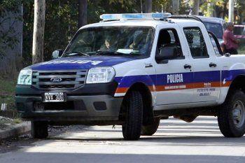 El robo fue en la puerta de la casa del policía retirado de 70 años
