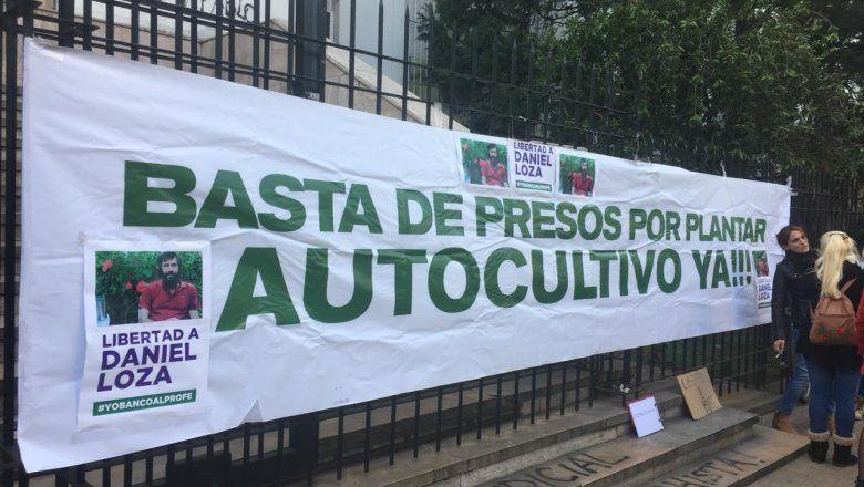 """Cannabis: con una marcha frente a los tribunales de La Plata pidieron la libertad de """"El profesor"""""""