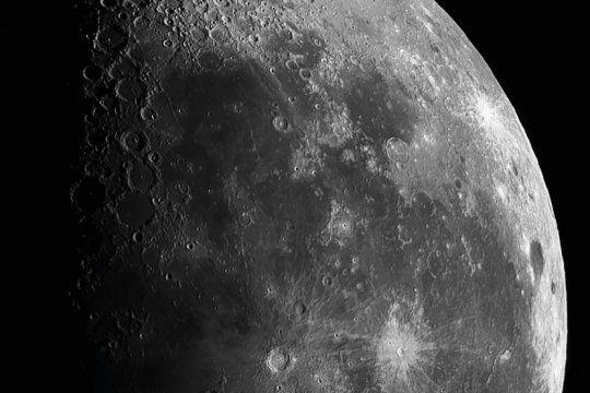 por los 50 anos de la llegada del hombre a la luna, en el planetario platense habra multiples actividades