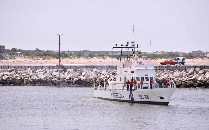 Sigue la búsqueda infructuosa en Necochea del nadador desaparecido en el mar