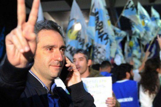 Andrés Larroque negó haber desafiado al Presidente