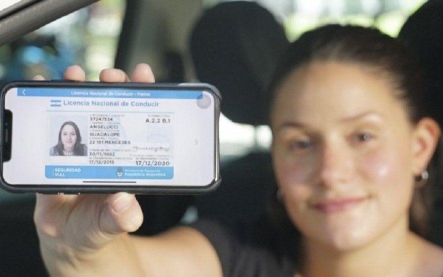 Conductores podrán llevar la licencia de conducir de forma digital en el teléfono celular