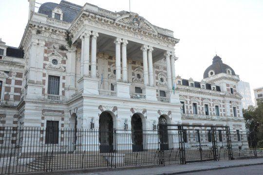 Kicillof continúa con la negociación del canje de deuda bonaerense