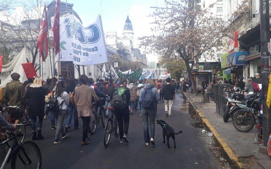 Marchan en La Plata para pedir justicia por las víctimas de la masacre de Monte