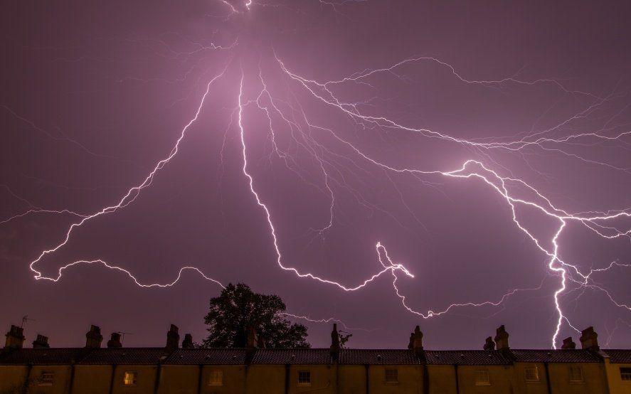 Alerta meteorológico por tormentas fuertes con posible caída de granizo en el oeste y el sur de la Provincia