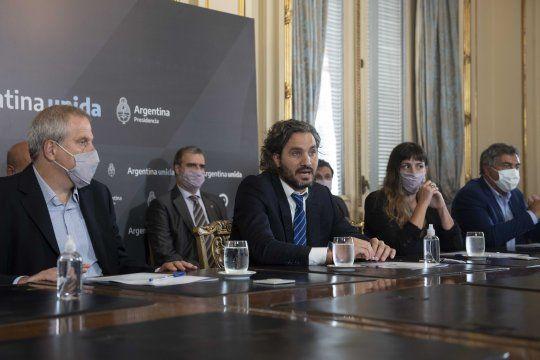 Santiago Cafiero encabezó una reunión con rectores universitarios y destacó la tarifa básica de internet.